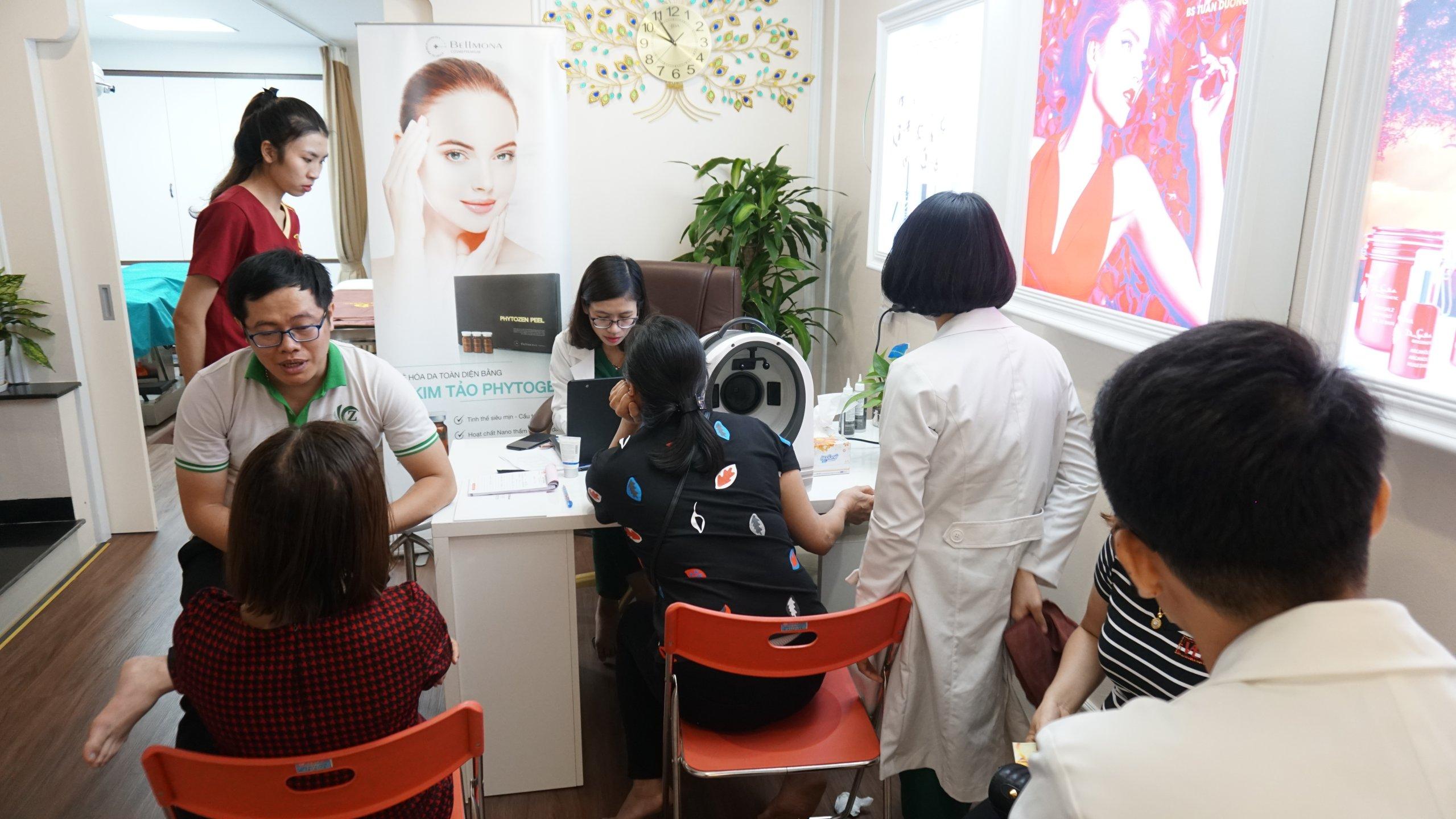 Mỗi khách hàng sẽ được một bác sỹ và nhân viên bên TMV Tuấn Dương tư vấn nhiệt tình